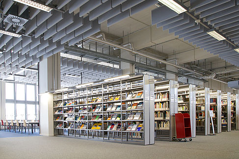 Bibliothek Wilhelminenhof Regal